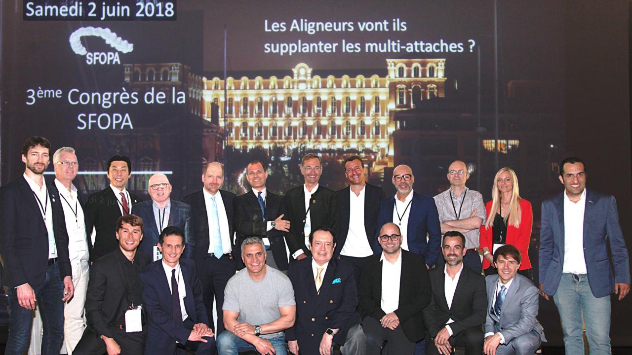 La Sociedad Francesa de Alineadores entrega a Javier Lozano el reconocimiento de miembro honorífico