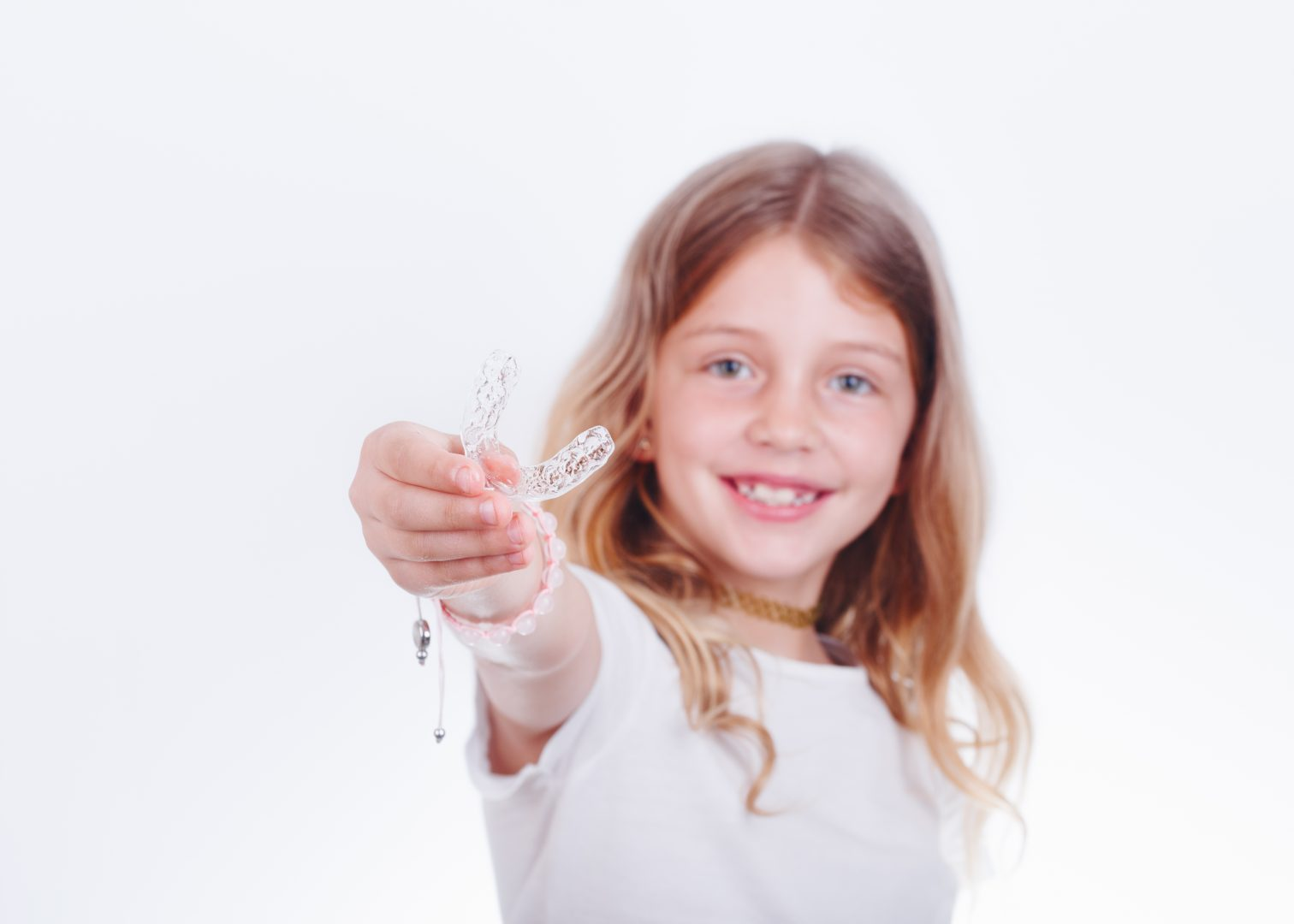 Las sonrisas de los más pequeños de la casa también se alinean con ortodoncia invisible