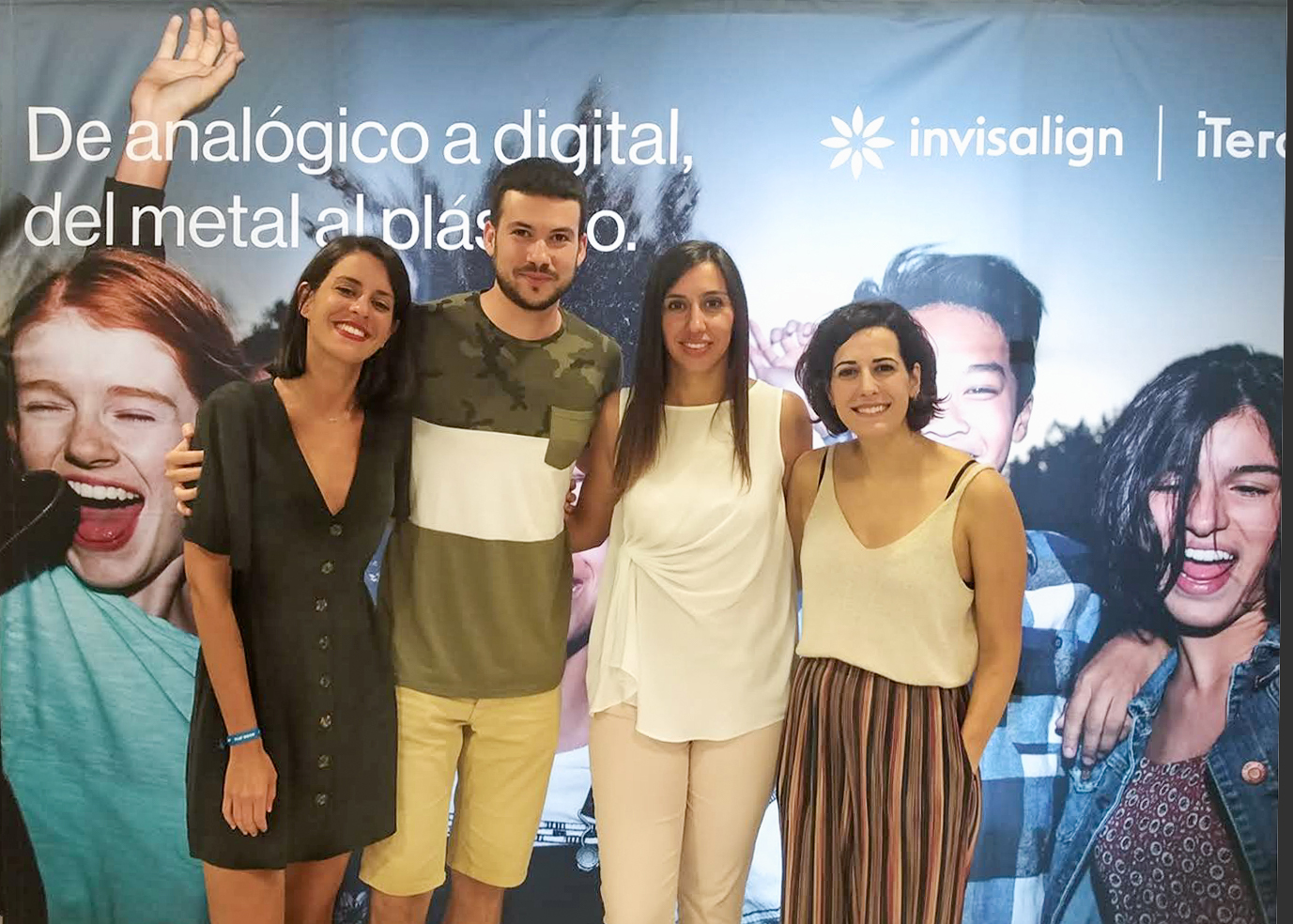Rocío García, Juanjo Llácer y Ana Pérez junto a la conferenciante Eva Mayo