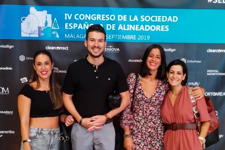 Equipo de ENLÍNEA en el Congreso de la Sociedad Española de Alineadores