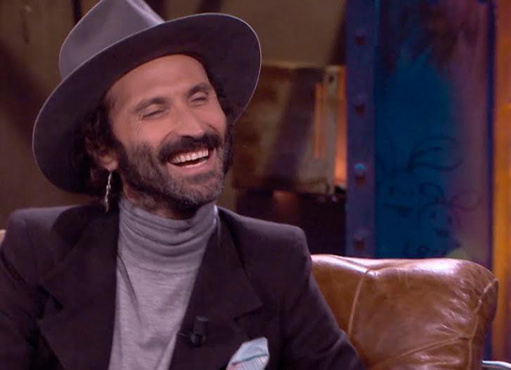 El cantautor Leiva en un programa de entrevistas