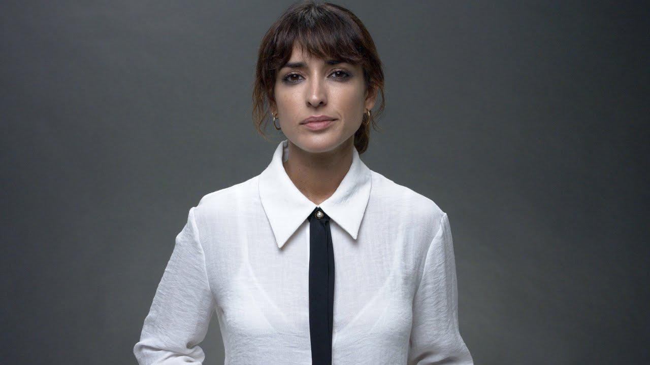 Inma Cuesta con camisa y corbata